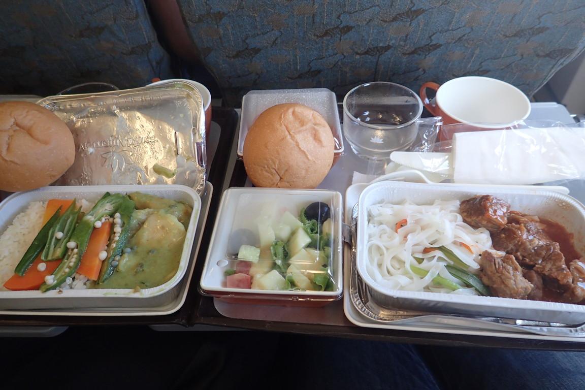 ベトナム航空の機内食はわりとイイ!