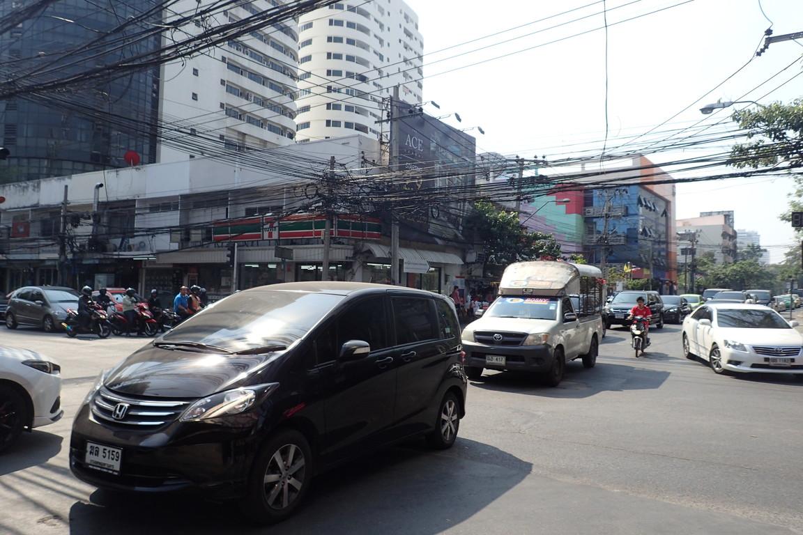 こんなにヤバイ!!バンコクの交通事情